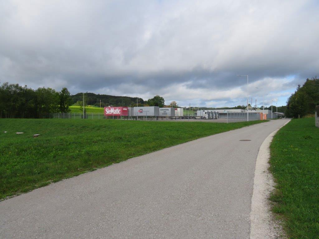 Prenneis-Immobilien-Ampflwang-LKW-Abstellplatz-14