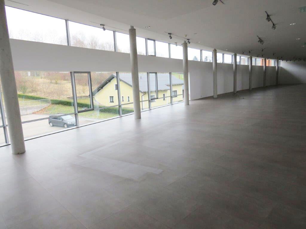Prenneis-Immobilien-Ampflwang-Schauraum-13