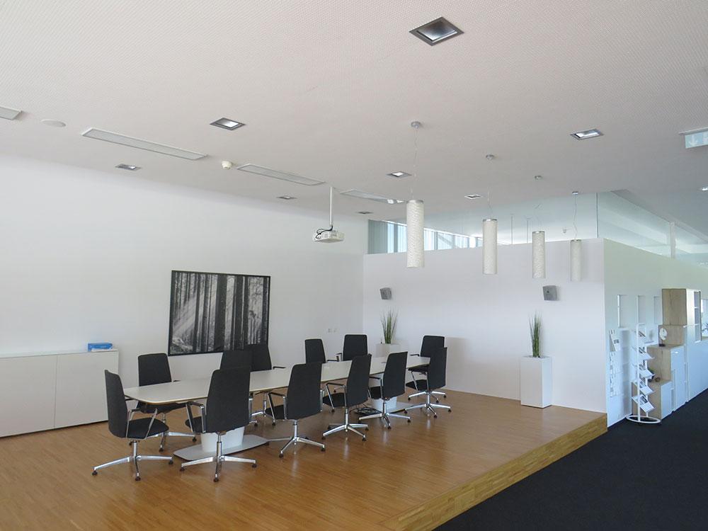 Prenneis-Immobilien-Ampflwang-Schauraum-3