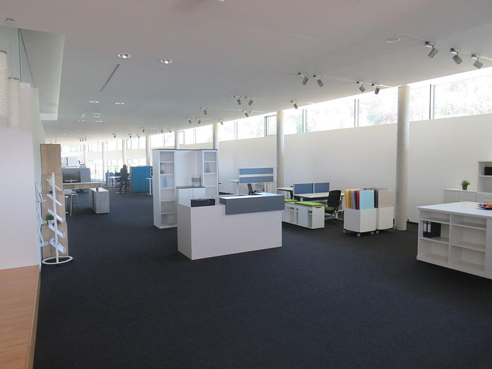Prenneis-Immobilien-Ampflwang-Schauraum-4