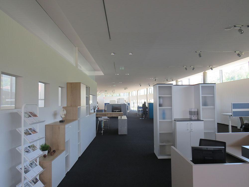 Prenneis-Immobilien-Ampflwang-Schauraum-5